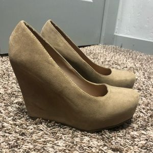 Woman's wedge heel